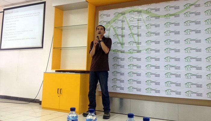Presentasi-Pengantar-Wearable-Devices-di-Telkom-University-Bandung-1
