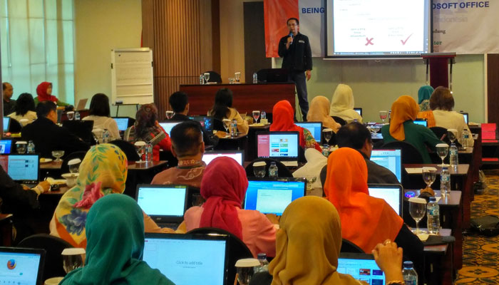 One Day Workshop: Being Professional with Microsoft Office
